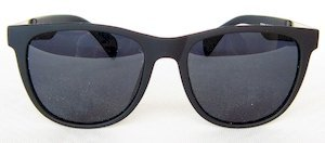 "square sunglass, UV400 PC eccentric lense with ""Grey"" color with ""Light-silver"" , Frame with ""matte-Black"" color"
