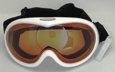 White TPU goggles, UV400 eccentric lenses, PU Foam
